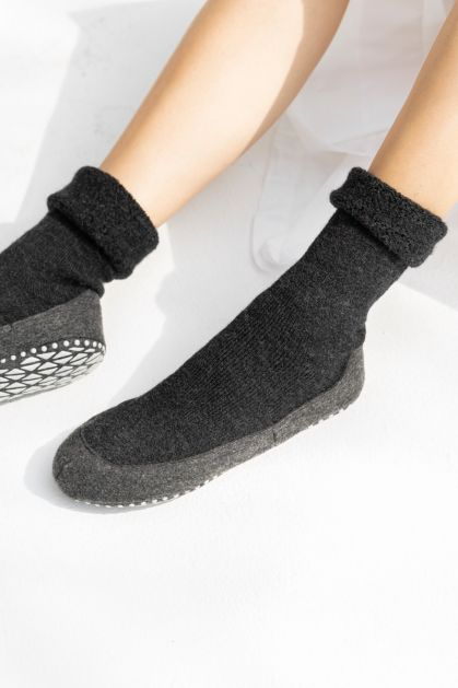 Cosyshoe Slippers in Anthracite
