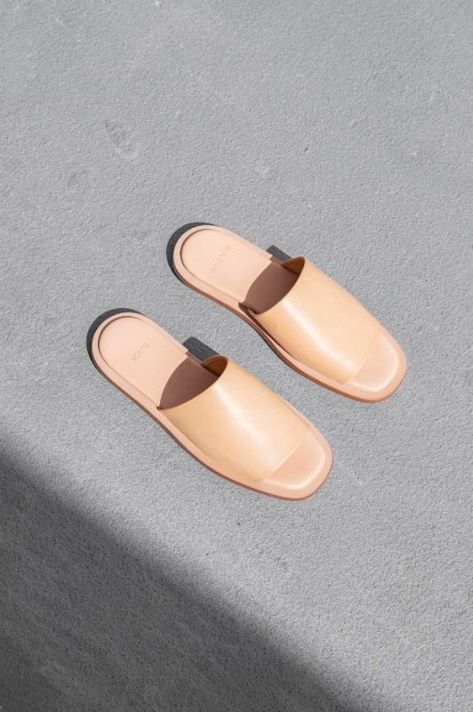 Issei Slide in Veg Tan