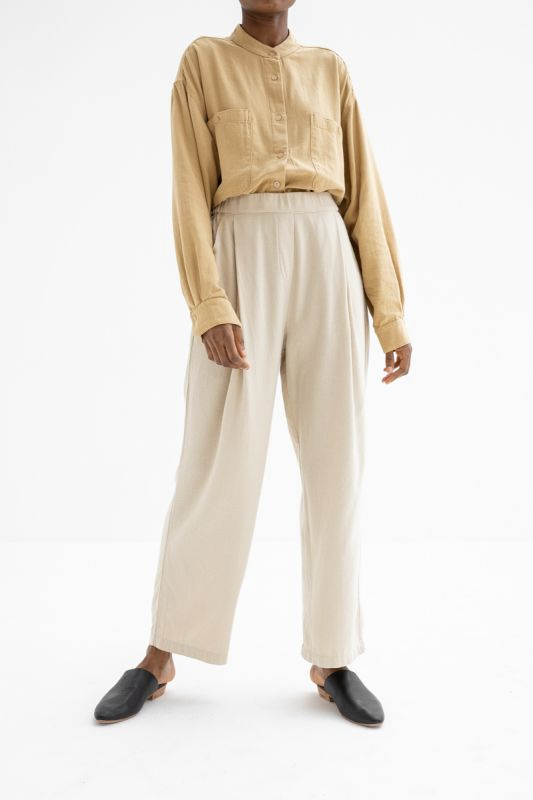 Pleated Pant in Natural