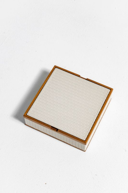 26,5X26,5XH 7 CM Big Square Box in Cream