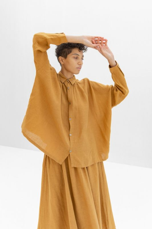 600301 Linen Shirt in Camel